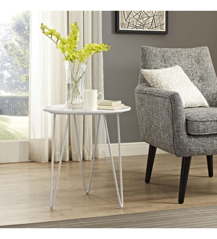 Digress Side Table in White - Lexmod
